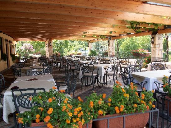 Locanda Montebaldo: ristorante con terrazza panoramica