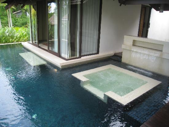 The Vijitt Resort Phuket: Private jacuzzi