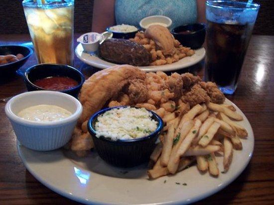 Pirate's Landing Seafood & Steak Restaurant: great food