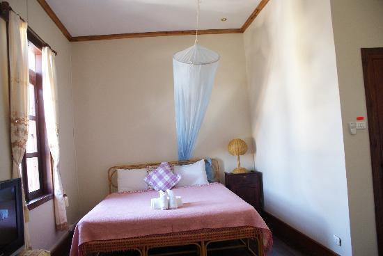 Villa Phathana: Zimmer