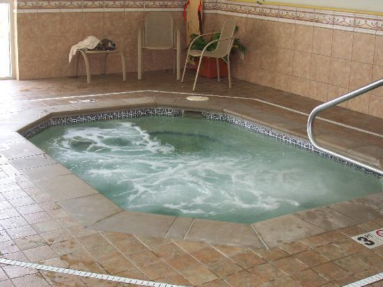 Drury Inn & Suites Cincinnati North: Fantastic Hot Tub!