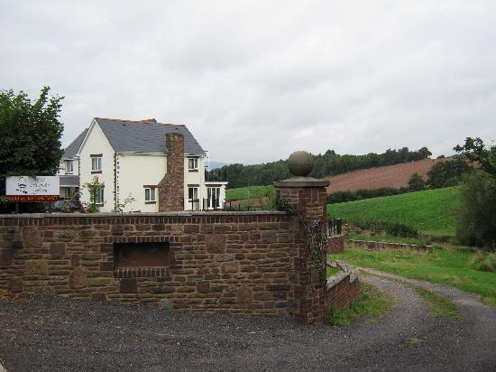 Old Hendre Farm: From the entrance