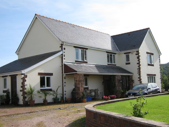 Old Hendre Farm: B&B
