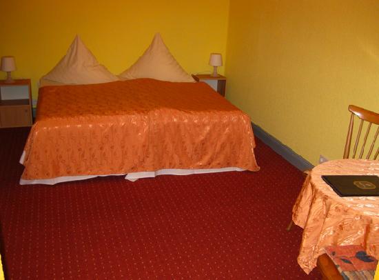 Hotel Pension Enzian: Unser Zimmer, wir hatten Glück