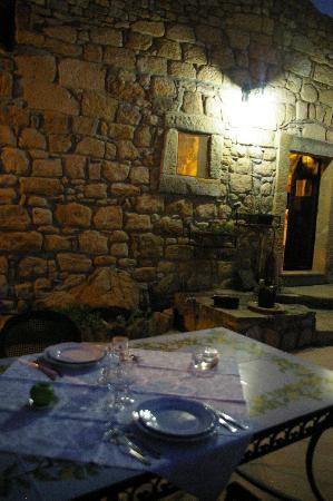 Le Querce di Cota: Diner in the hacienda