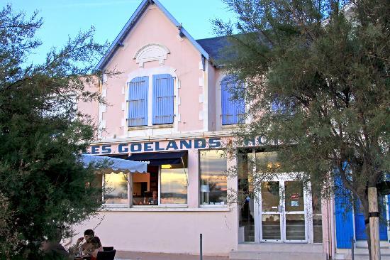 Hotel Les Goelands : façade de l'hôtel