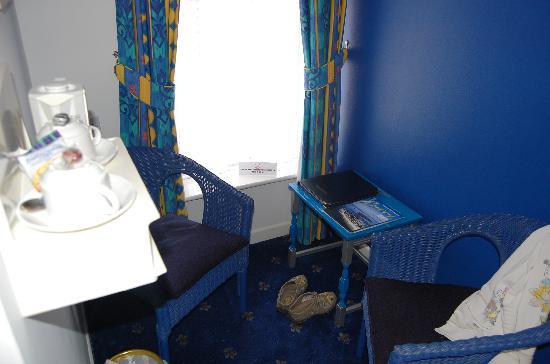 Blue Palms: bedroom again