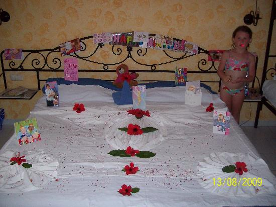 Houda Golf and Beach Club: The room the maid dressed up for my daughters birthday