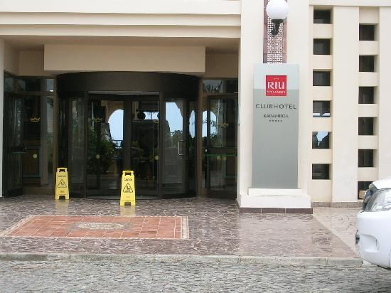 Clubhotel Riu Karamboa: Front of hotel