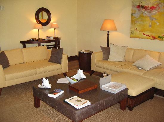 Maradiva Villas Resort and Spa: interior suite