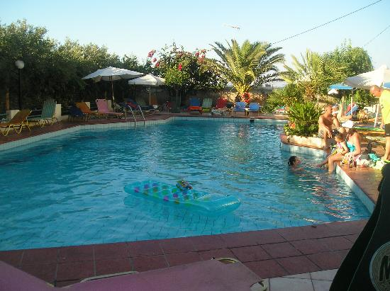 Hotel Armava: swimming pool