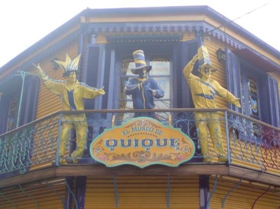 La Boca: One of the bigger souvenir shops (read: tourist traps).  You have to admit, it's a great storefr