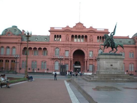 The Pink House: CASA ROSADA