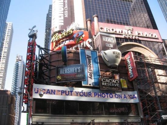 Hershey's Chocolate World Times Square: The Hersheys store