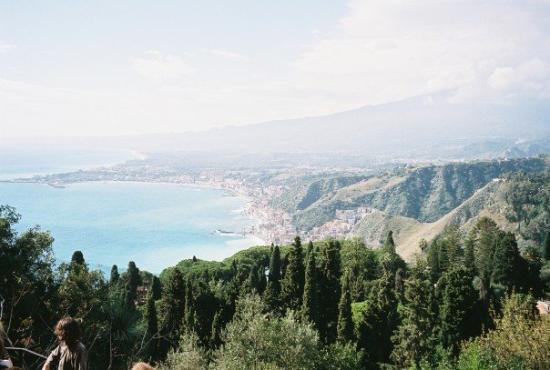 ทาโอร์มินา, อิตาลี: Thursday, Nov. 1 Taormina, Sicily