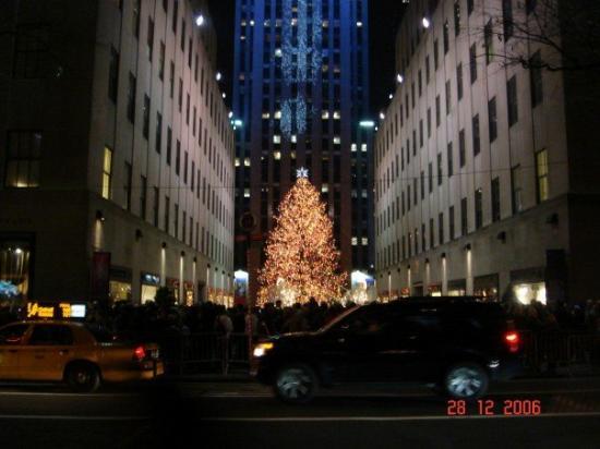 Rockefeller Center: New York City, NY, United States Rockefeller @ Xmas
