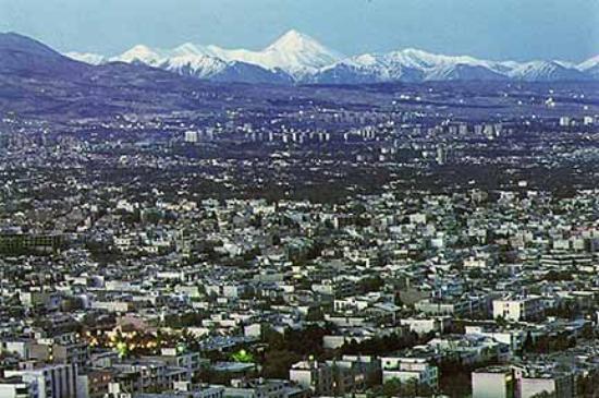 เตหะราน, อิหร่าน: Tehran, with the symbolic view of Damavand mountain