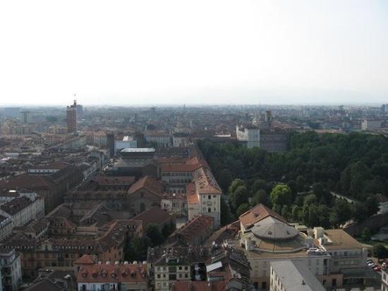 ตูริน, อิตาลี: widok z wieży Muzeum Kina w Turynie