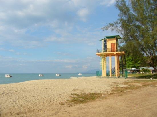 บาทูเฟอริงฮี, มาเลเซีย: lifeguard tower