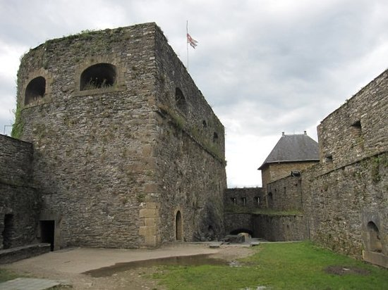 Chateau de Bouillon: Castle of Bouillon