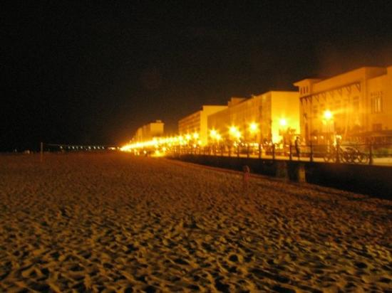 Le Boardwalk Le Soir Picture Of Virginia Beach Virginia