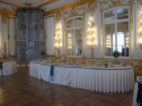 La table est dress e avec de la porcelaine de limoges svp - Porcelaine de table ...