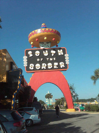 Норт-Миртл-Бич, Южная Каролина: South of the Border. Famous Pedrito...