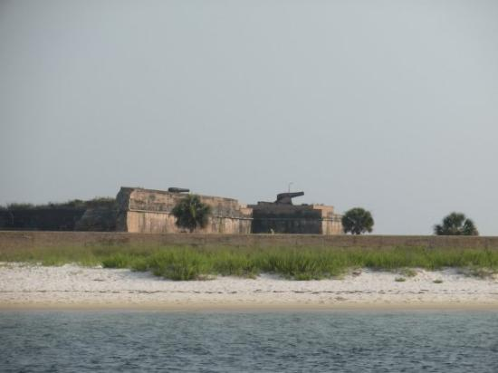 Fort Pickens: Ft Pickens. Notice the cannons on top. They can shoot up to 8 miles away.