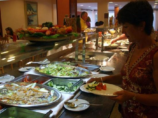ALEGRIA Maripins: Buffet meal - entrees