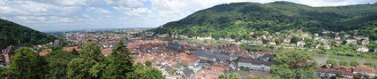 ปราสาทไฮเดลเบิร์ก: Heidelberg, Baden-Wurttemberg, Alemania. Panorámica del rio Neckar desde el castillo
