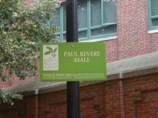 Paul Revere Mall ภาพถ่าย