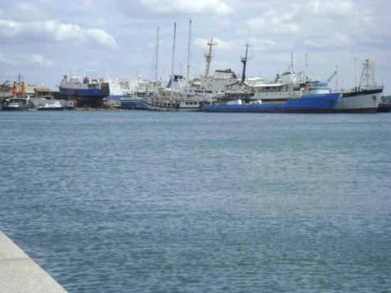 พอร์ตออฟสเปน, ตรินิแดด: Glorious day on the port (Trinidad)
