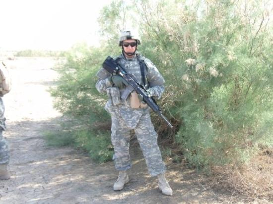 Baghdad, อิรัก: Outside FOB (Forward Operating Base) Kalsu, Iraq, 2006