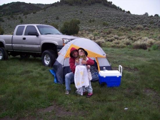 อิลิ, เนวาด้า: Larry & Cheryl  way to cold in a tent