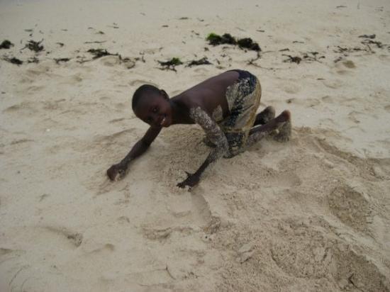 มอมบาซา, เคนยา: Tony on Shelly Beach