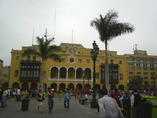 Plaza de Armas (Plaza Mayor): plaza LIMA CAPITAL