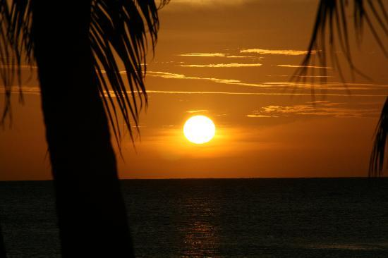 Beutiful beutiful sunsets - picture of mayan princess beach & dive resort