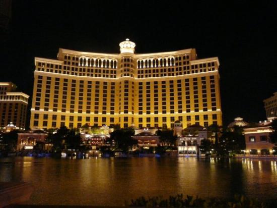 น้ำพุเบลลาจิโอ: Las Vegas