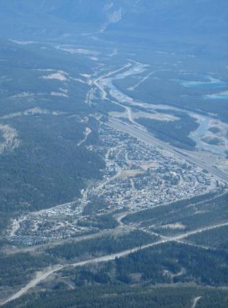 แจสเปอร์, แคนาดา: The town of Jasper seen from the tramway