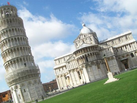 Leaning Tower of Pisa: The field of miracles