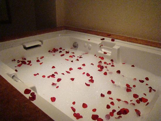 Our romantic bath picture of the royal playa del for Bathroom romance photos