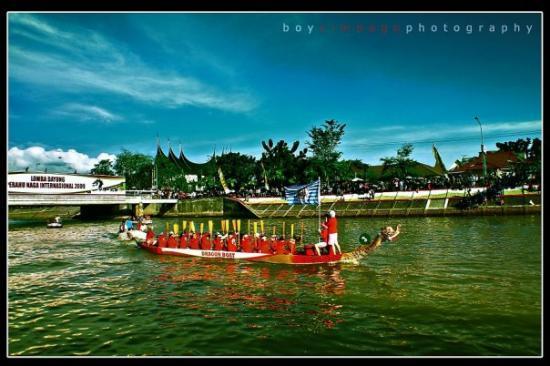 ปาดัง, อินโดนีเซีย: Team Dragon Boat 2009 dari China