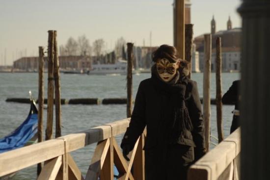 Canal Grande: la fille sur le pont.