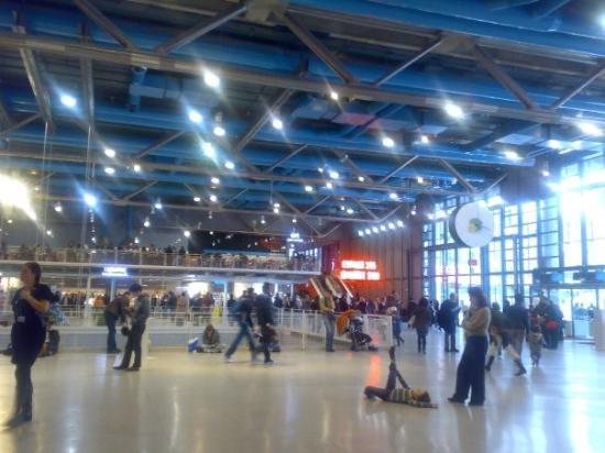 L'interno del Centre Pompidou