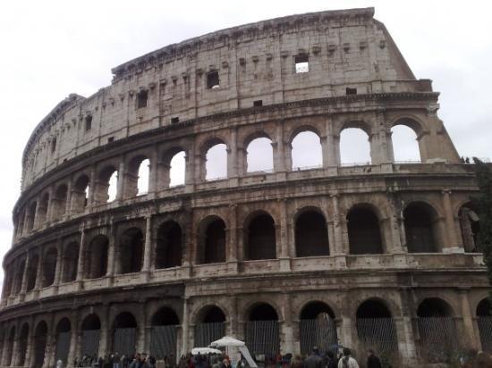 โคลอสเซียม: uHm..il Colosseo, nè ? xD