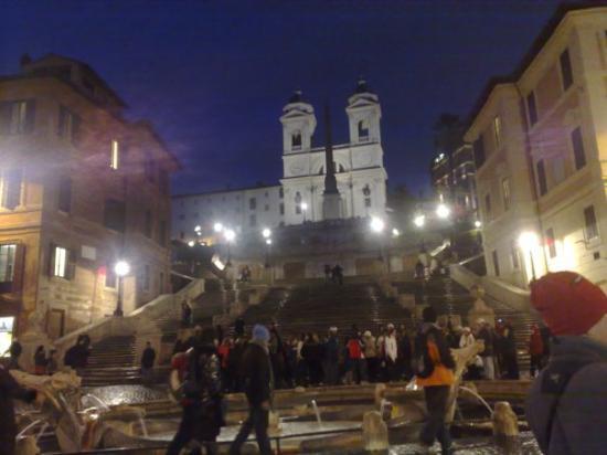 Spanish Steps: Piazza di Spagna
