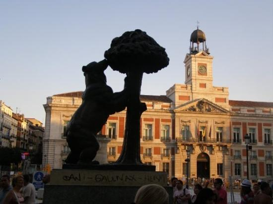 Puerta del sol madrid picture of puerta del sol madrid for Puerta del sol santiago