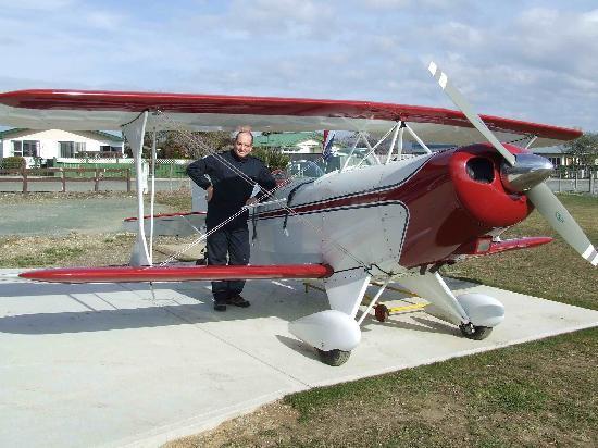 Abel Tasman Pilot a Stunt Plane: Me and my Pitts (I wish)