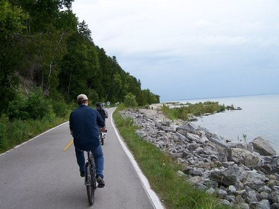 Mackinac Island, MI: More pics taken while riding to follow...