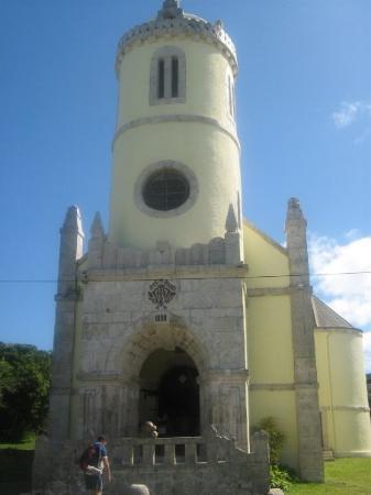 ลีฟู, นิวแคลิโดเนีย: Lifou's main church, slightly more grand